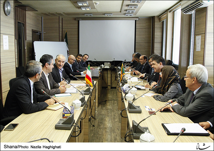 Iranian Officials welcome Portuguese Delegation (Shana/Photo)